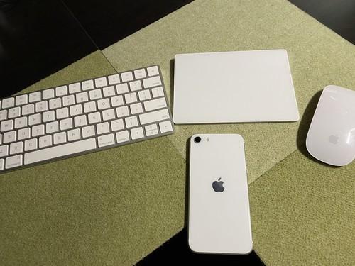 iPhoneSE2 第二世代 ホワイト 白